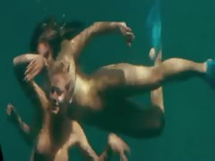 Kelly Brook - Piranha