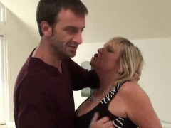 Blonde housewife with leather outfit gets drilled roughly