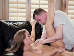 Sexy Chick Nicole Aniston Gets Her Pussy Torn Apart