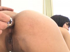 Demure asian gives wild blowjob before lusty cunt shaving