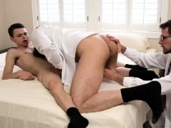 Pissing Daddies Mouth Gay Following His Rendezvous With