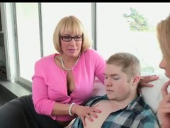 Got dirty sex with horny MILF