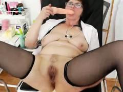 Slavomira the deviated wifey nurse examines her twat in