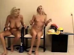 Nasty Amateur Blonde Women Masturbating