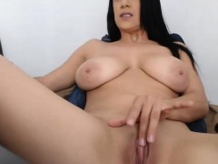 Hot Babe Big Tits Rubs Clit on Webcam