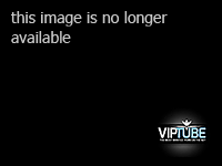Watch this stunning young broad walk to the beach in a shor