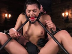 Teen Enjoys Bdsm Fetish