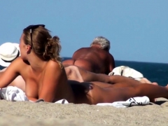 Voyeur Video Of Sexy Brunette Nude Hottie At The Beach
