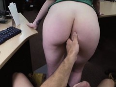 Cute amateur chick banged for a necklace at the pawnshop